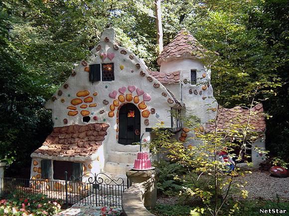 Дом в стиле замка своими руками 41